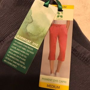NWT greenTea🍃 crop pants soft gray Sz M